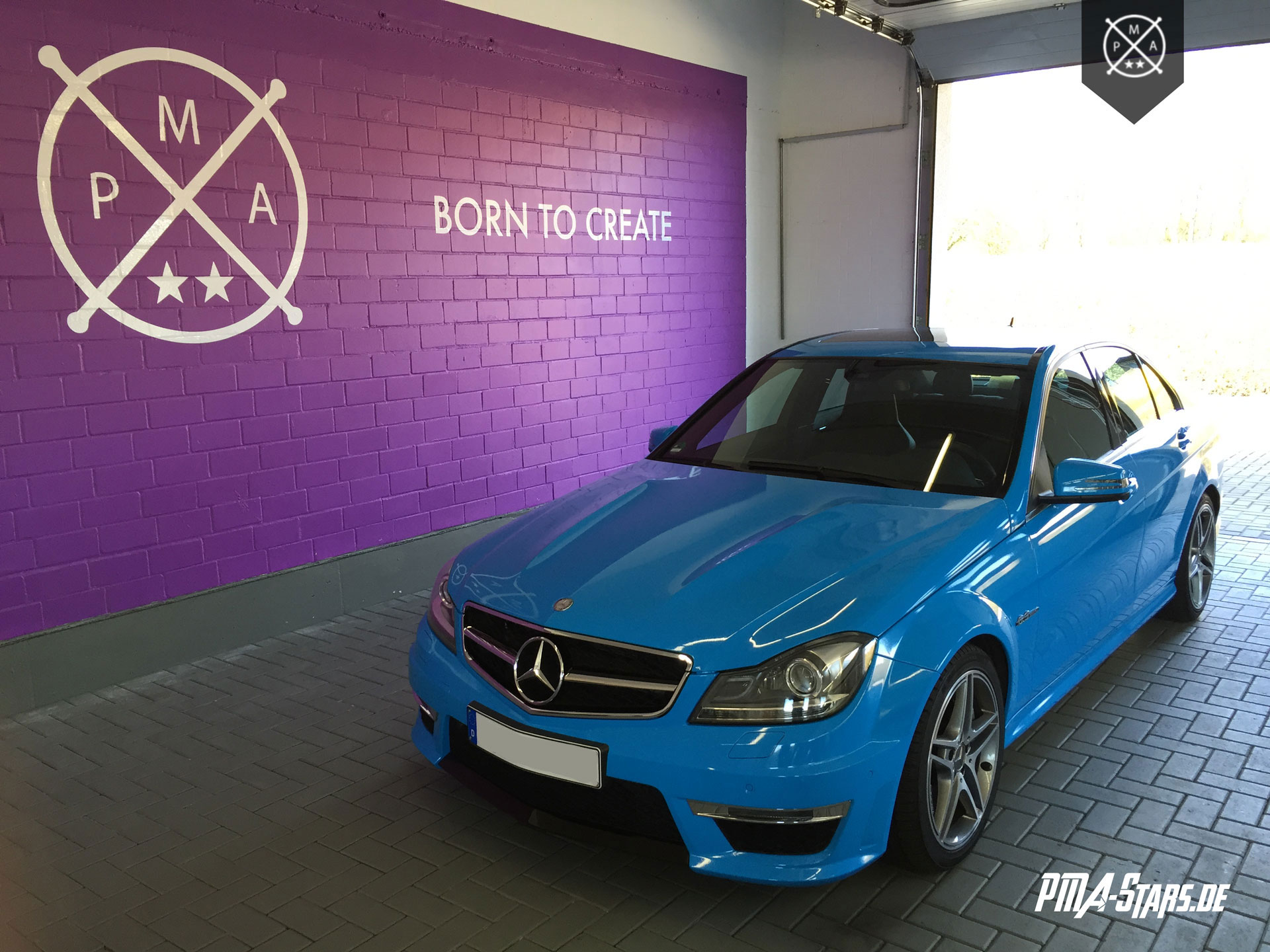 Vollfolierung Mercedes C63 AMG Light Blue